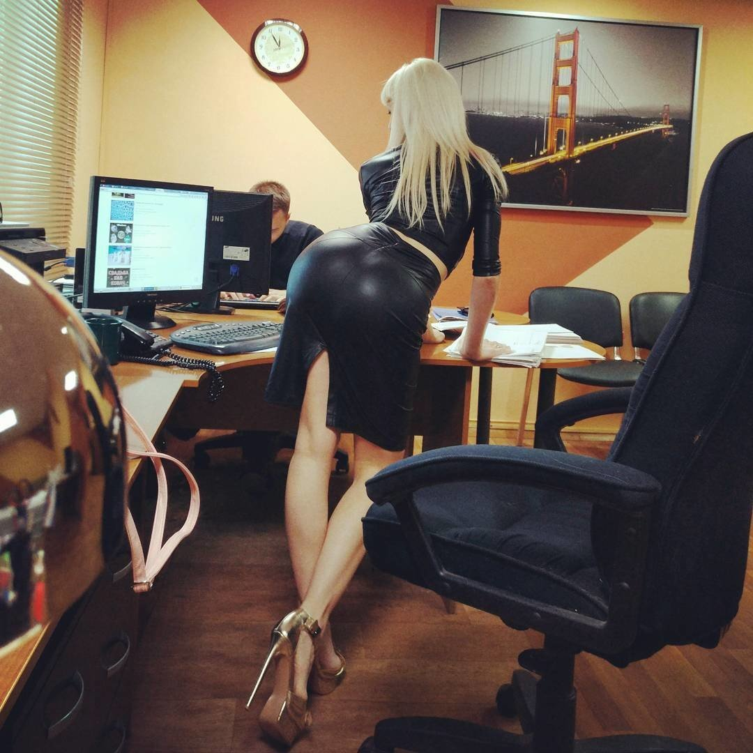 Голые Русские В Офисе