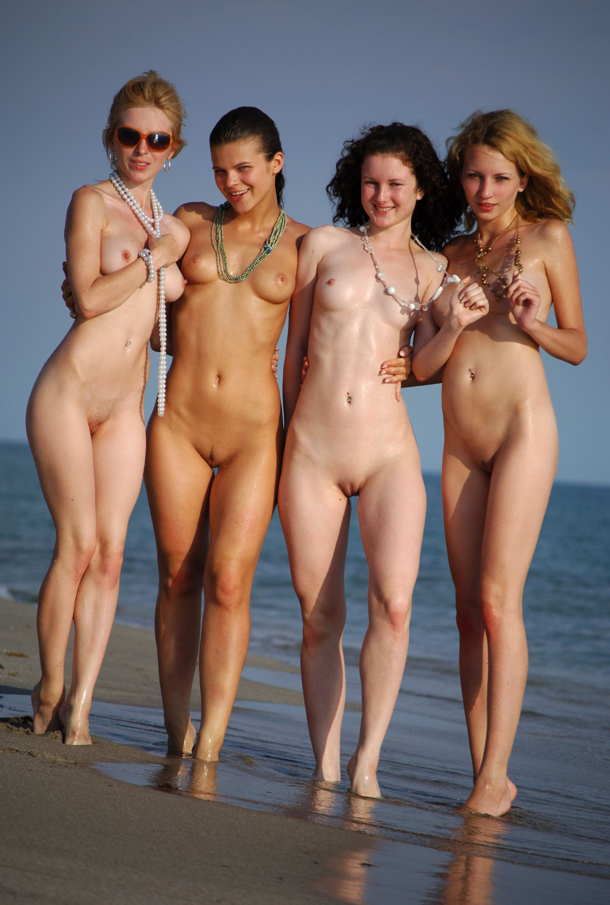 Голые Женщины Нудисты