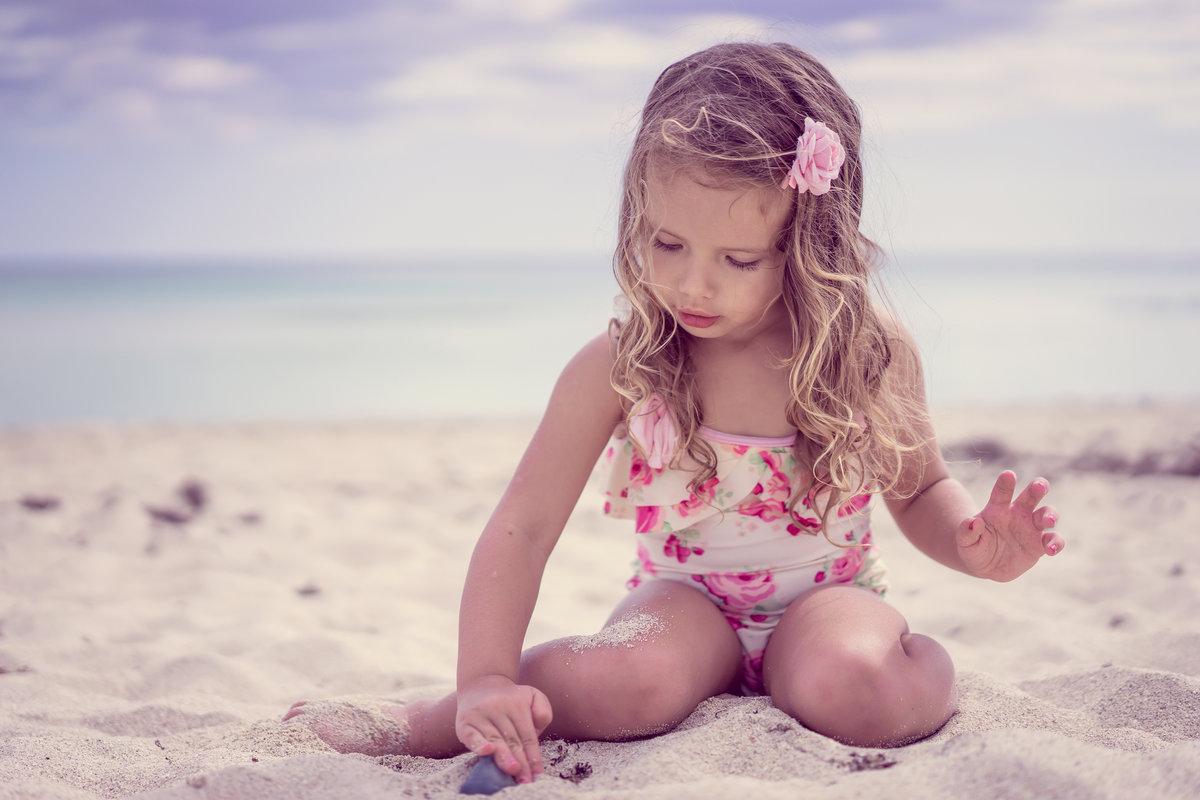 Смотреть Голых Девочек На Пляже