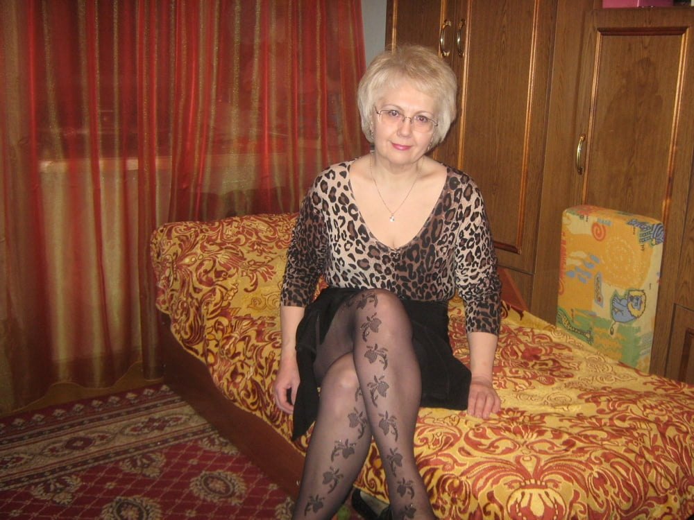 Фото Голых Зрелых Женщин С Сайтов Знакомств
