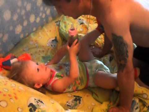 Отец Смотрит Голую Дочь