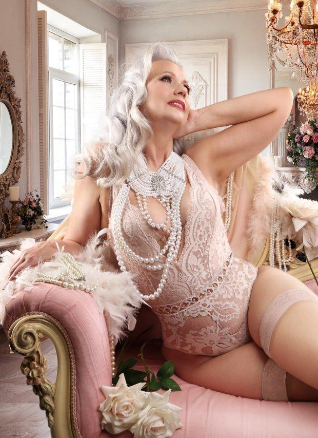 Голые Зрелые Женщины Блондинки