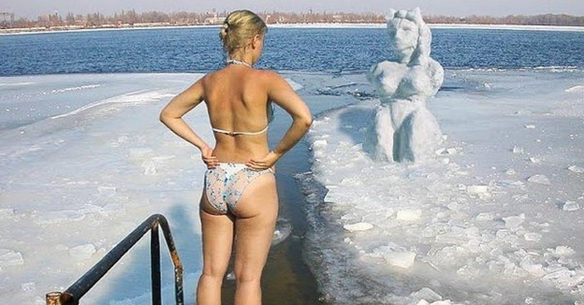Зрелая Зимой Голая