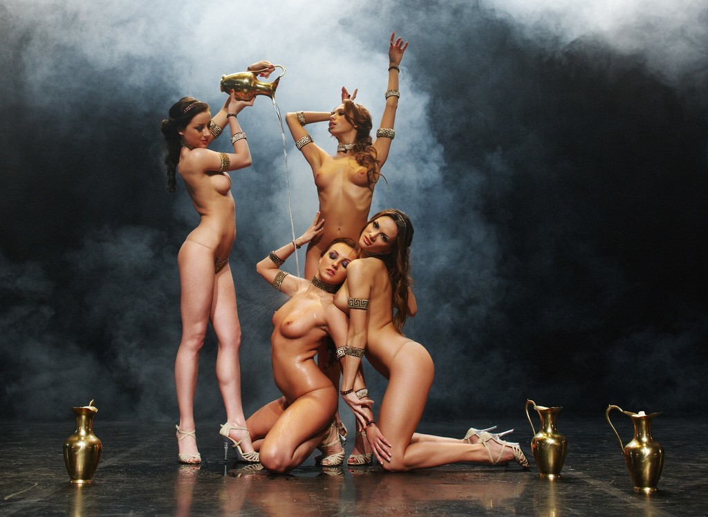 Голые Девушки Танцуют Видео Бесплатно