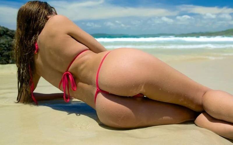 Голые Большие Фото На Пляже