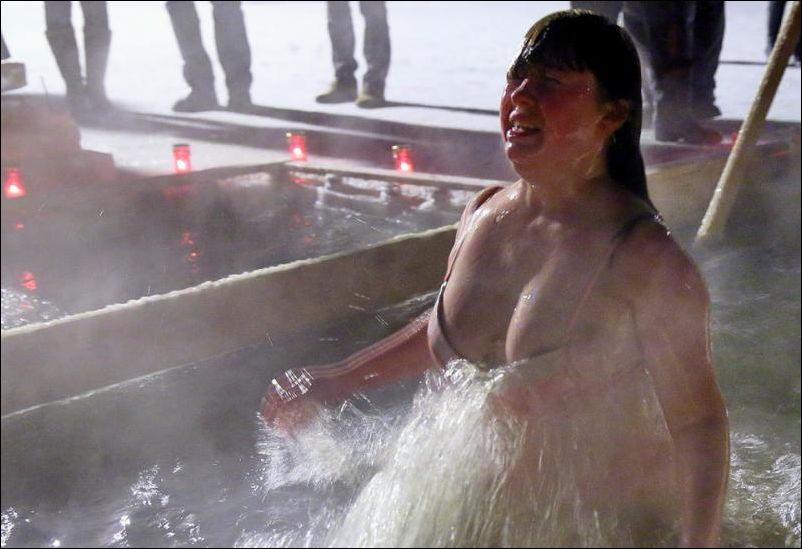 Купание Голых Баб На Крещение