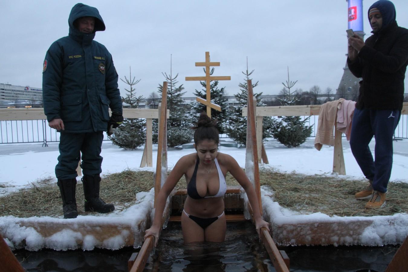 Голые Крещенские Купания