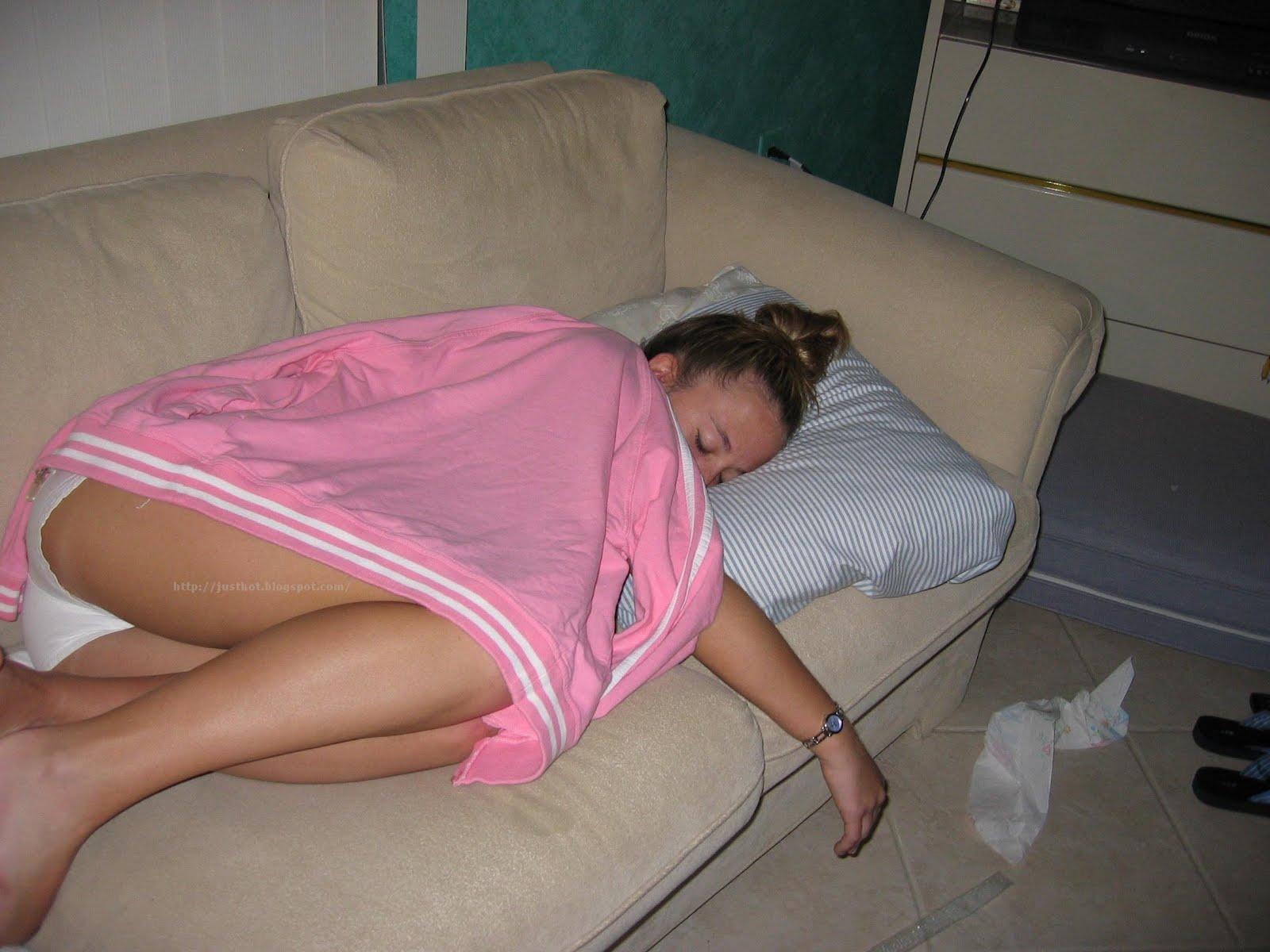 Фото Голой Спящей Пьяной Жены