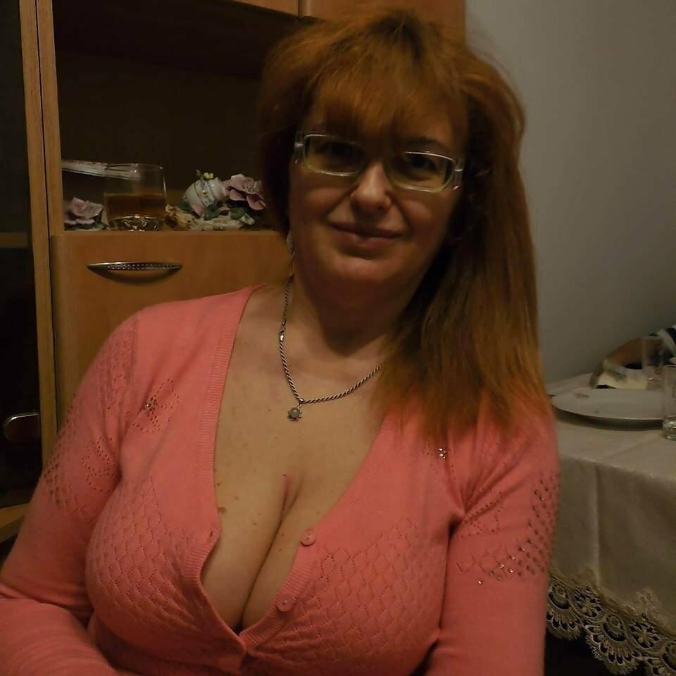 Голая Грудь Зрелой Дамы