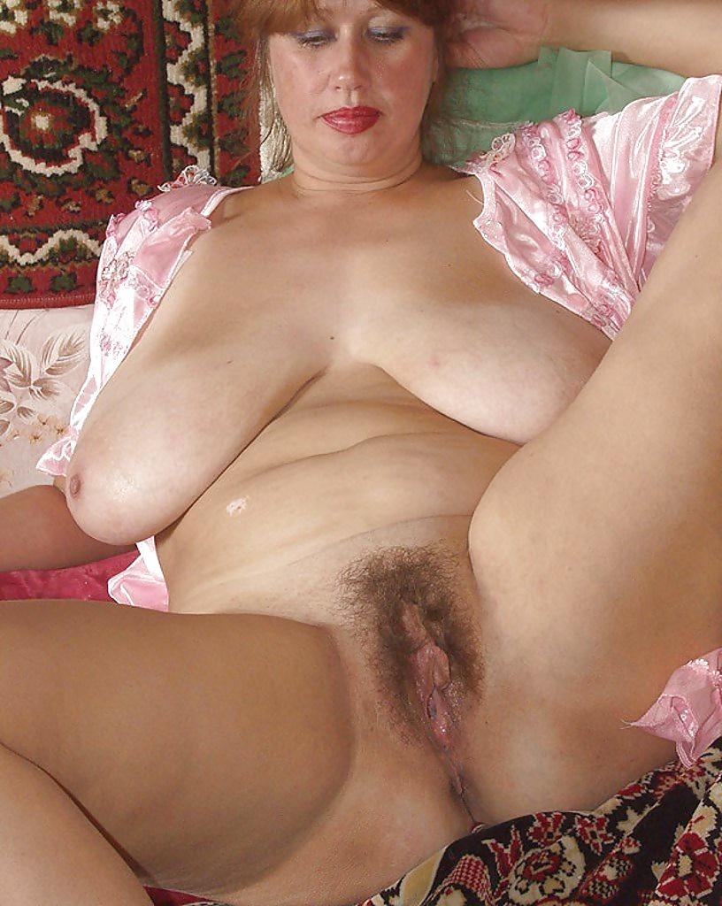 Голые Волосатые Писи Зрелых Женщин
