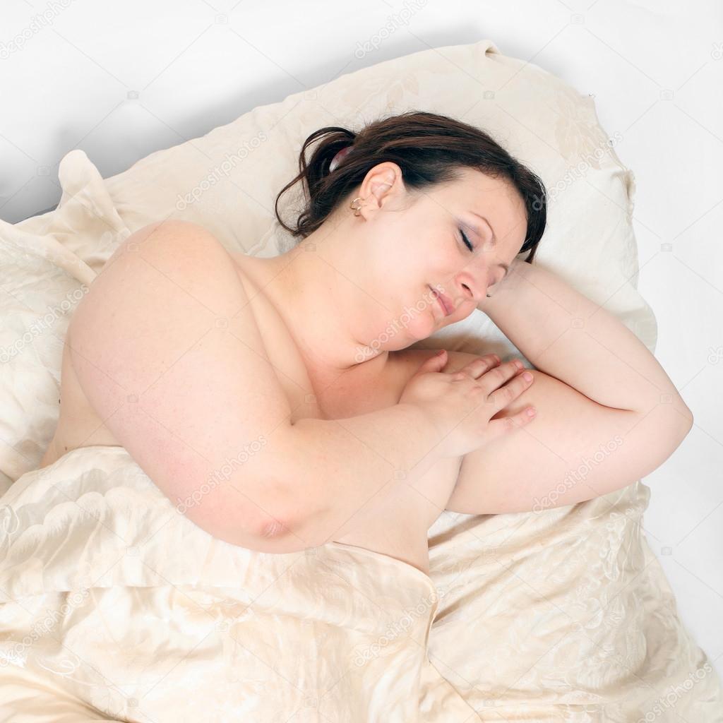 Спящая Голая Зрелые Баба