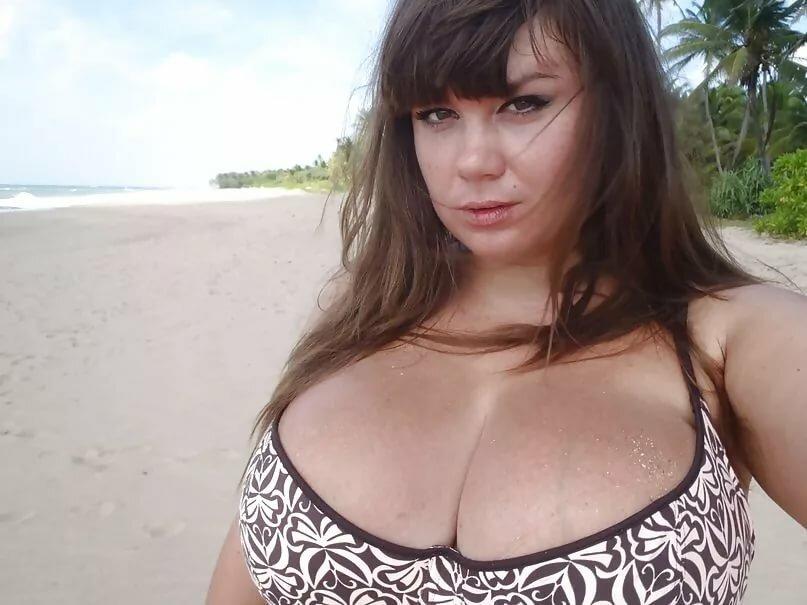 Русские Женщины С Голыми Титьками