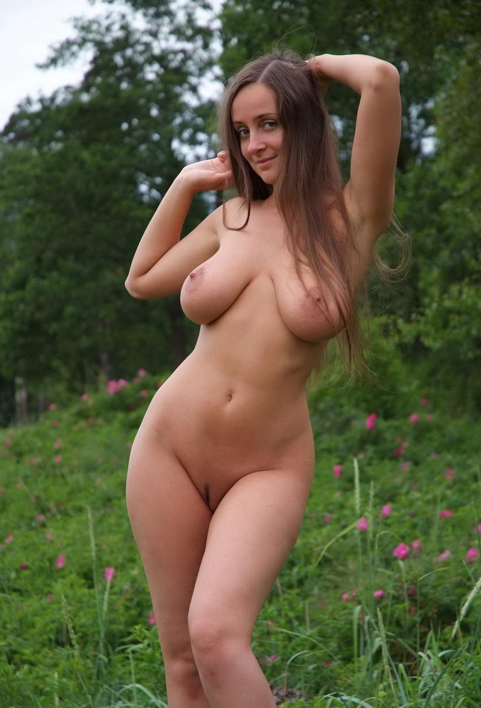 Голые Русские Женщины Раздеваются
