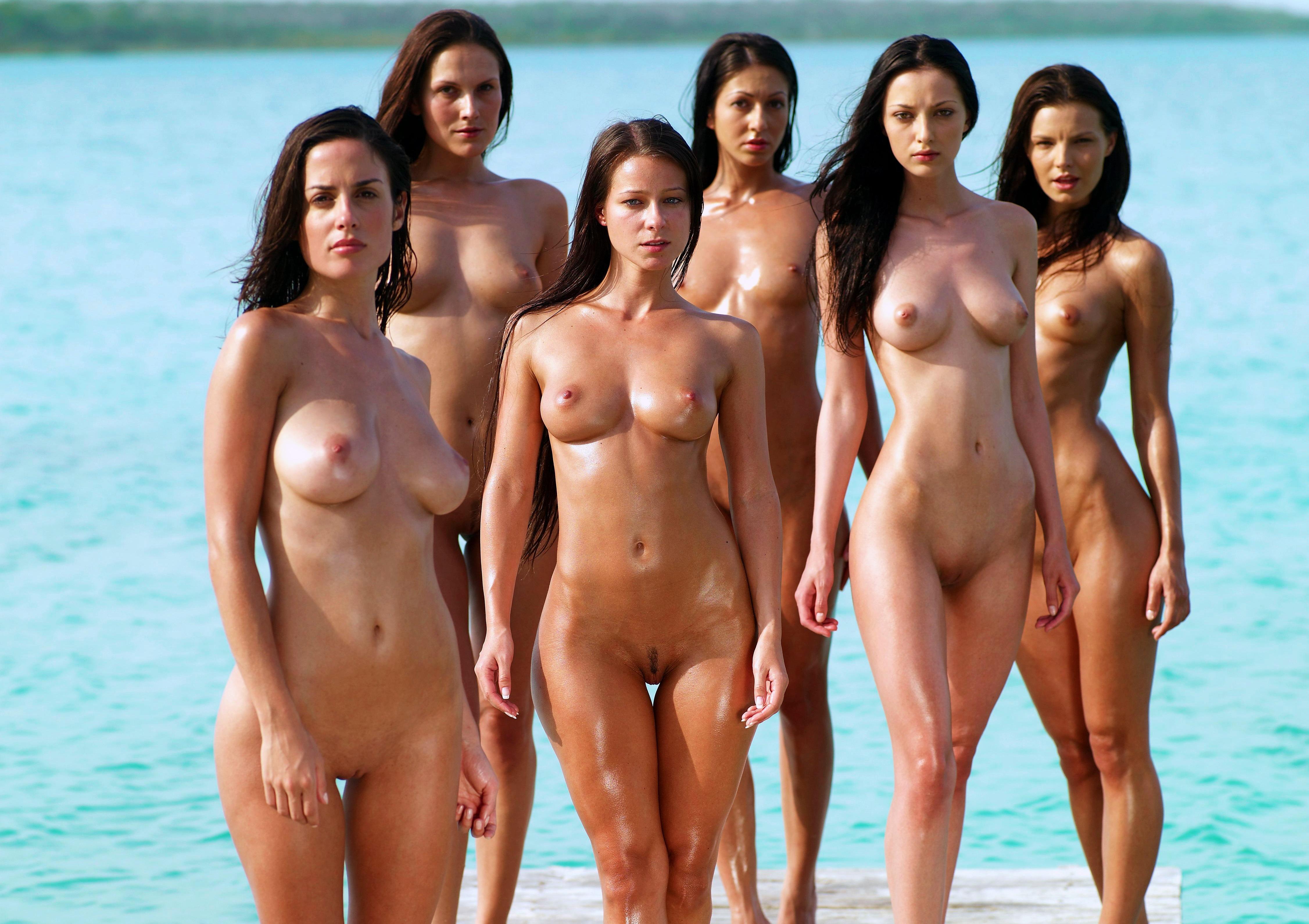 Голые Девушки На Пляже Фото Скачать