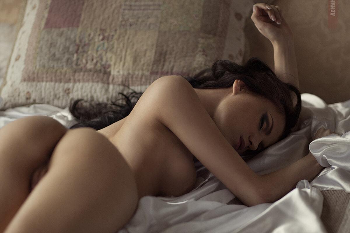 Спящие Голые Девушки Видео