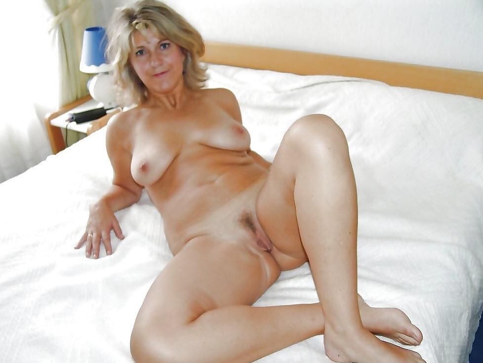 Mom Nude