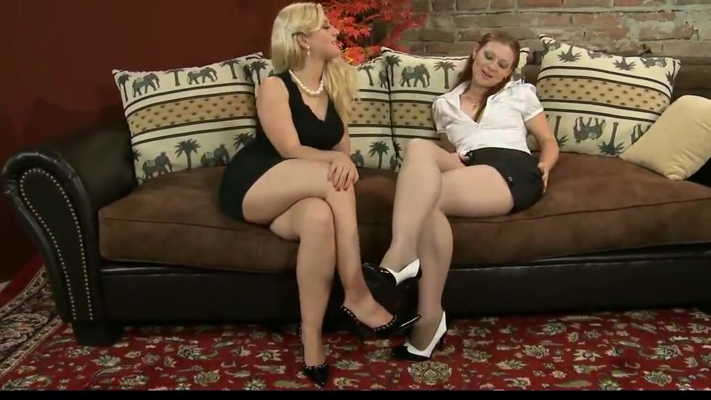 Видео Голых Зрелых Женщин Лесбиянок