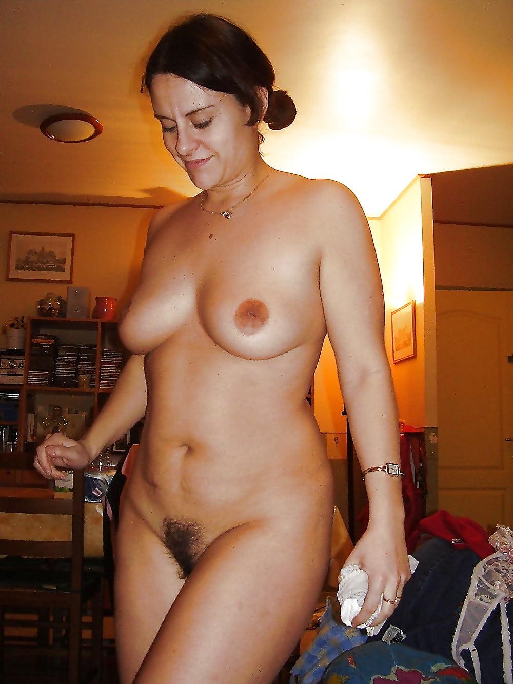 Голые Женщины В Домашней Обстановке