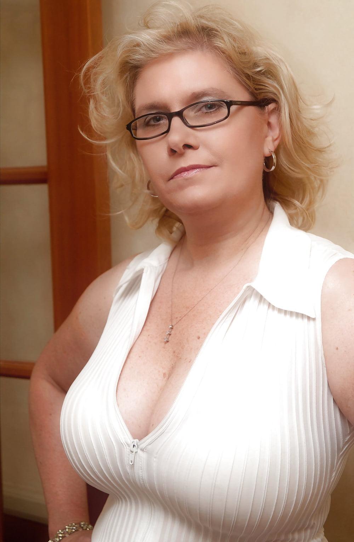 Фото Голых Сисек Женщин За 40