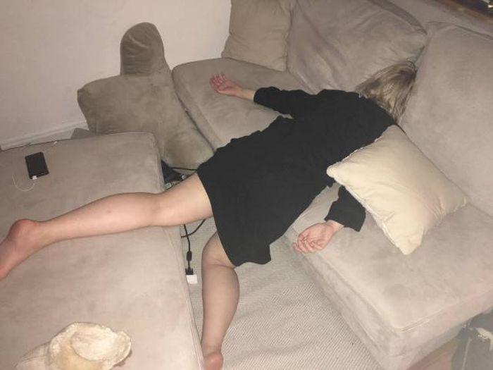 Фото Голых Пьяных Спящих Баб