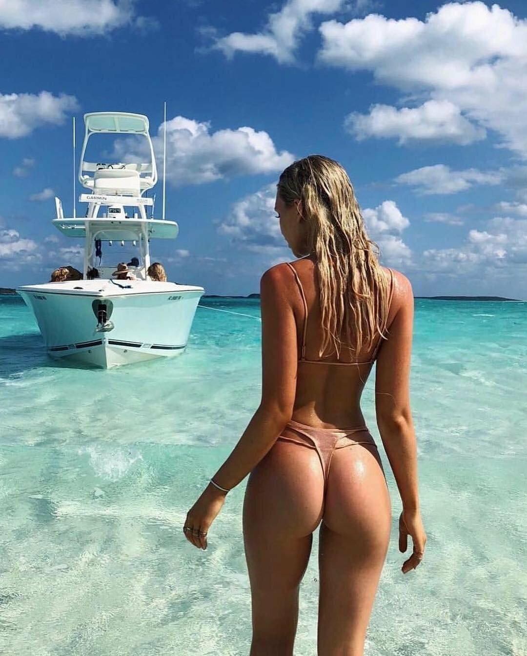 Голые Бабы На Море