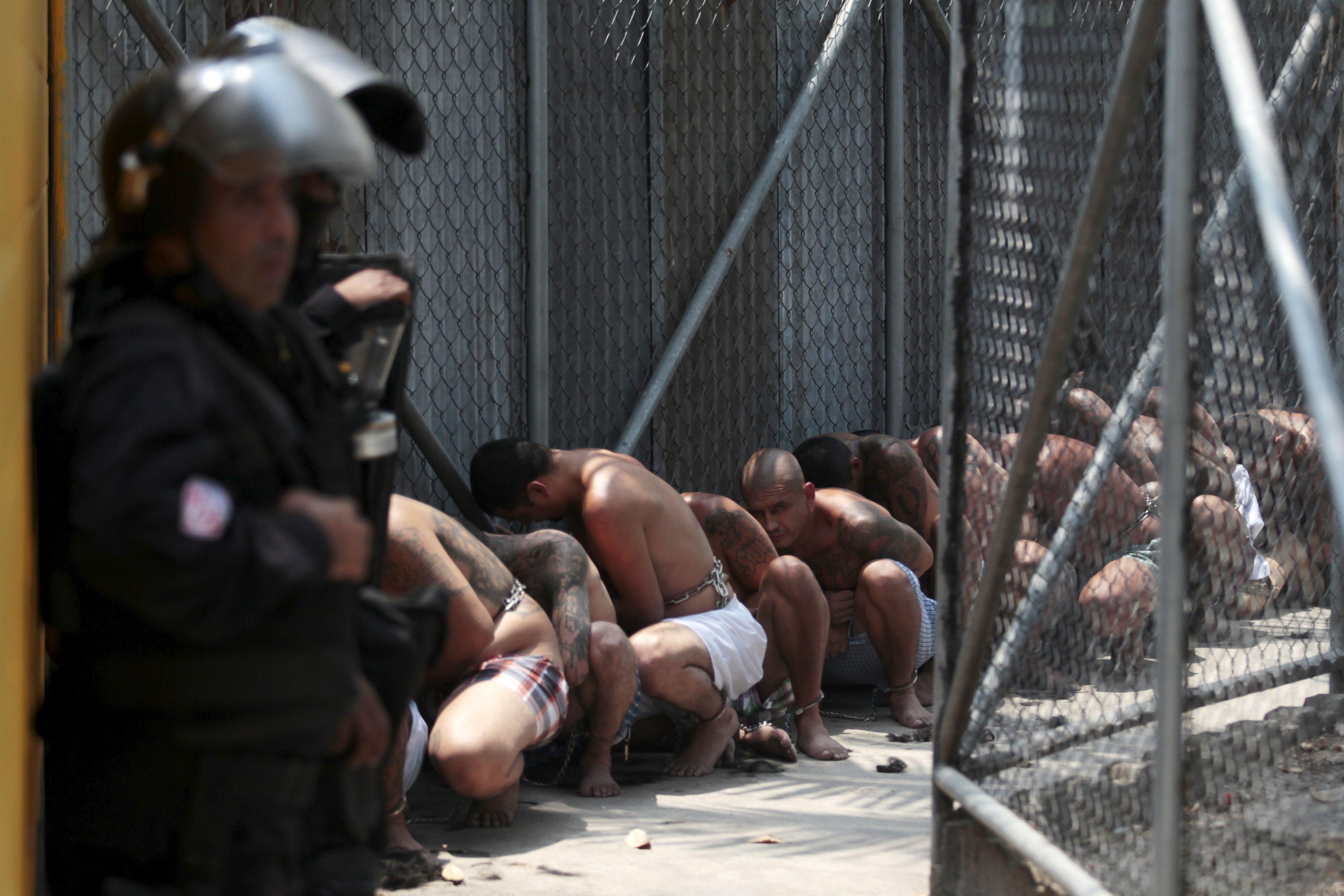 Голые Девки В Тюрьме