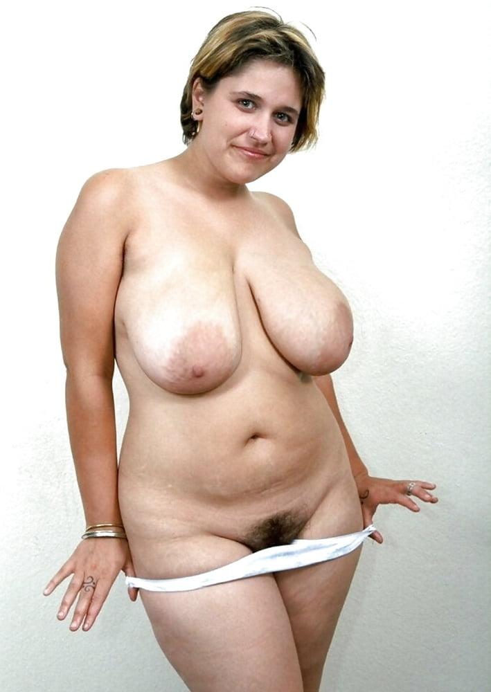 Голые Женщины Перед Камерой
