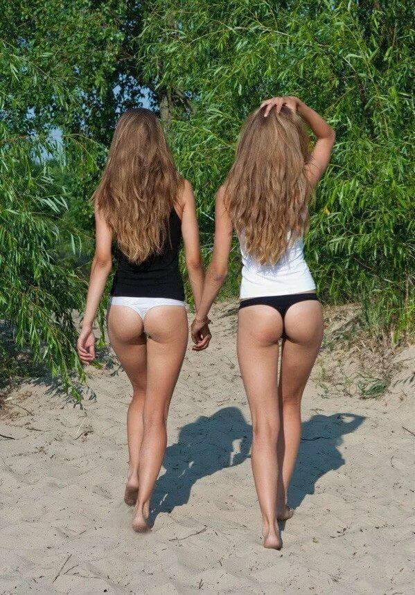 Девочки Показывают Голые Попки