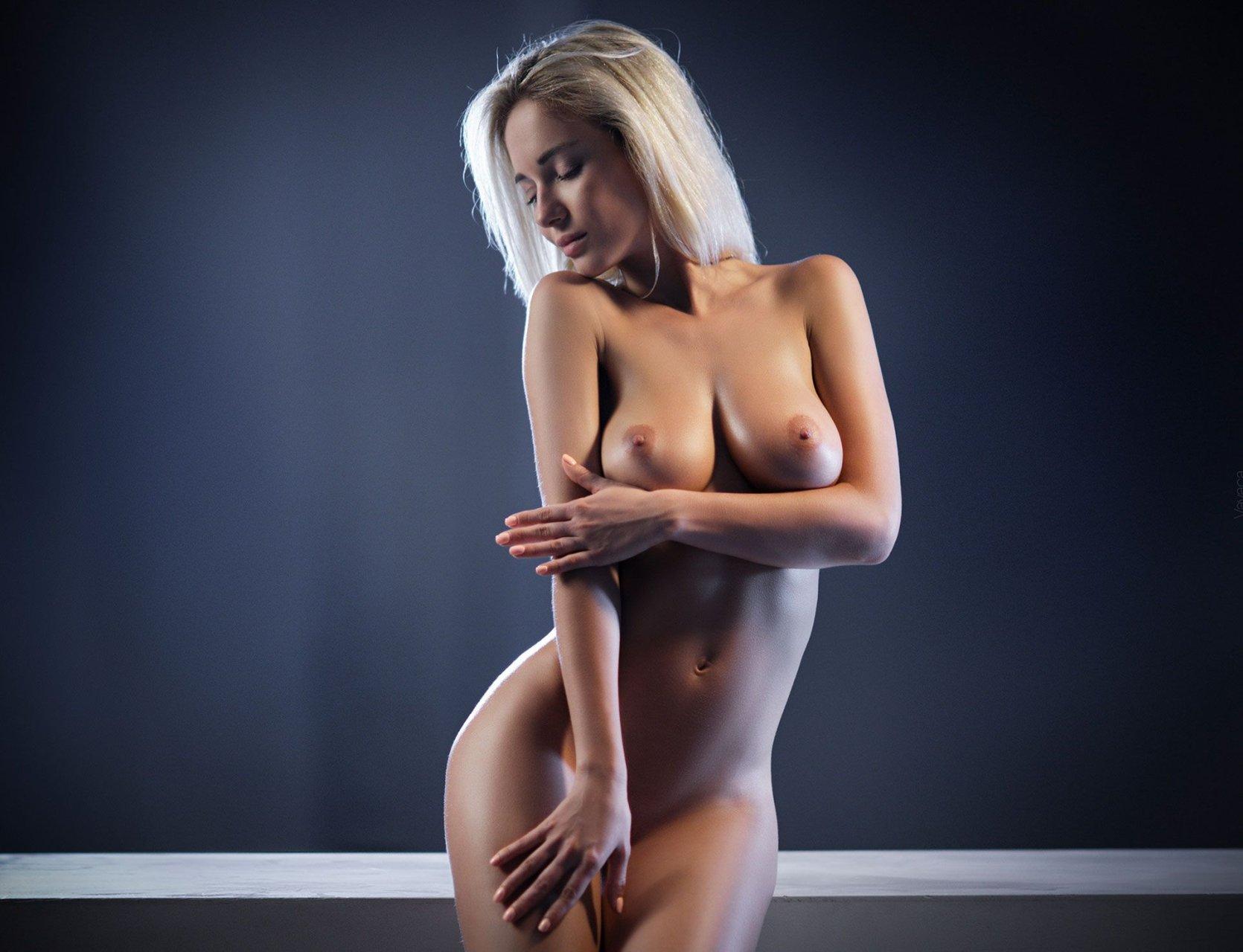 Голые Женщины Позируют