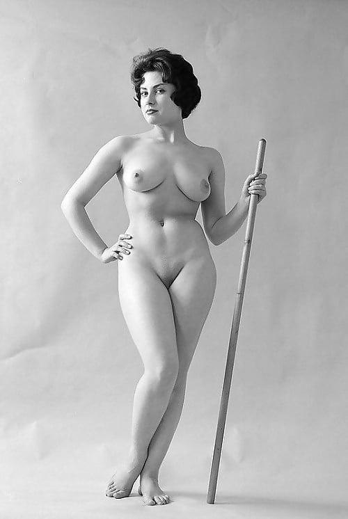 Голые Женщины Ретро