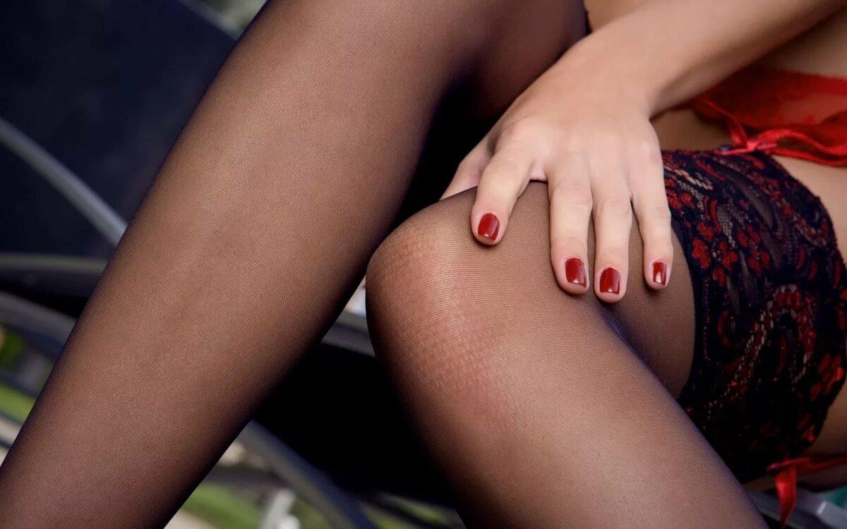 Фото Голых Девушек Между Ног