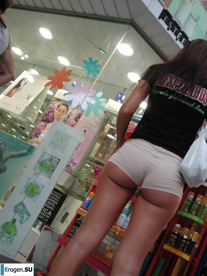 Фото Голых Девушек В Магазине