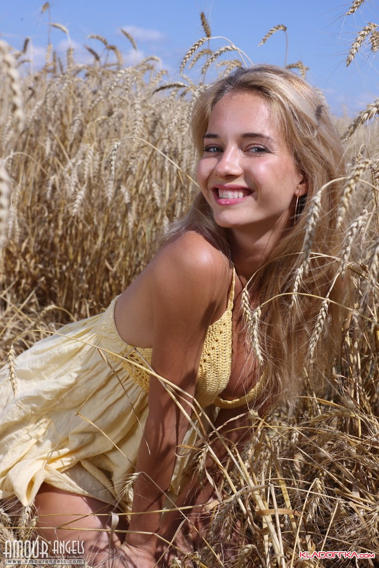 Фото Голых Молодых Русских Женщин