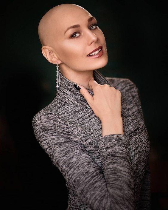 Голая Лысая Баба