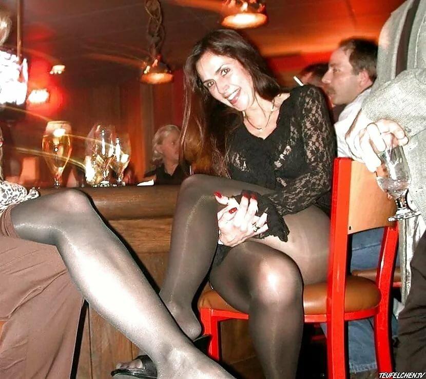 Голая Жена В Клубе