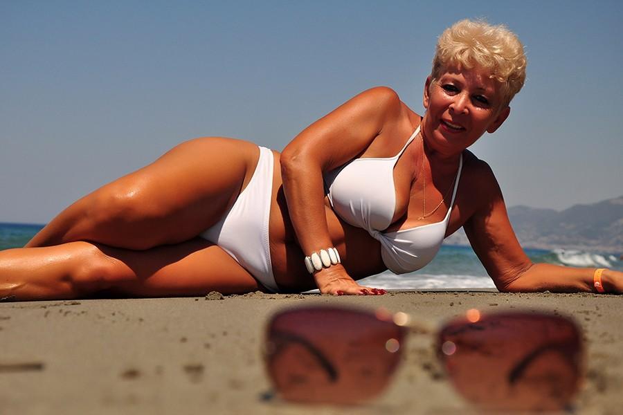 Голые Бабы Лет 50 Фото Бесплатно