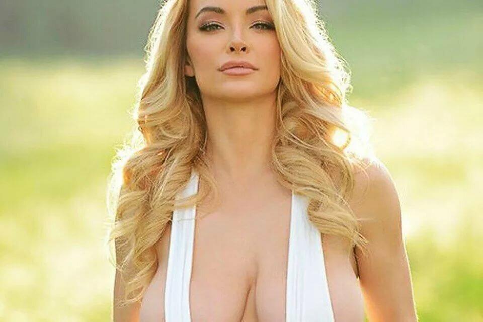 Голые Блондинки С Большой Грудью