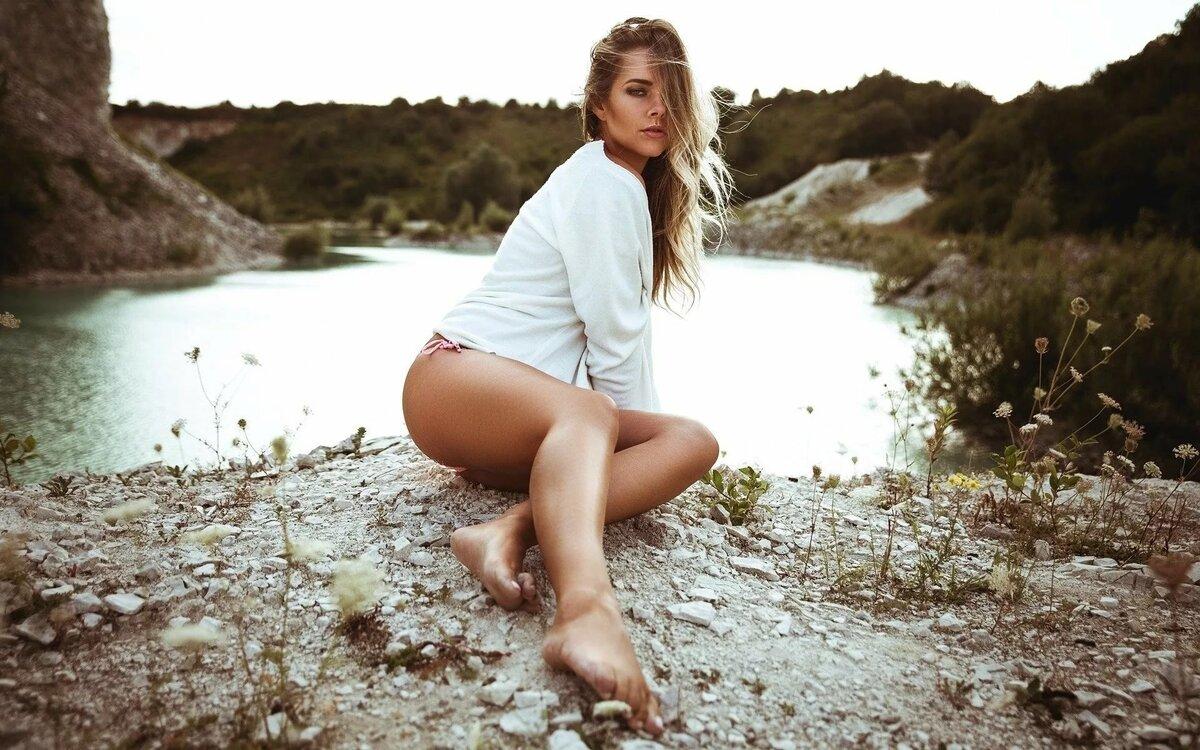 Голые Девочки На Природе Видео