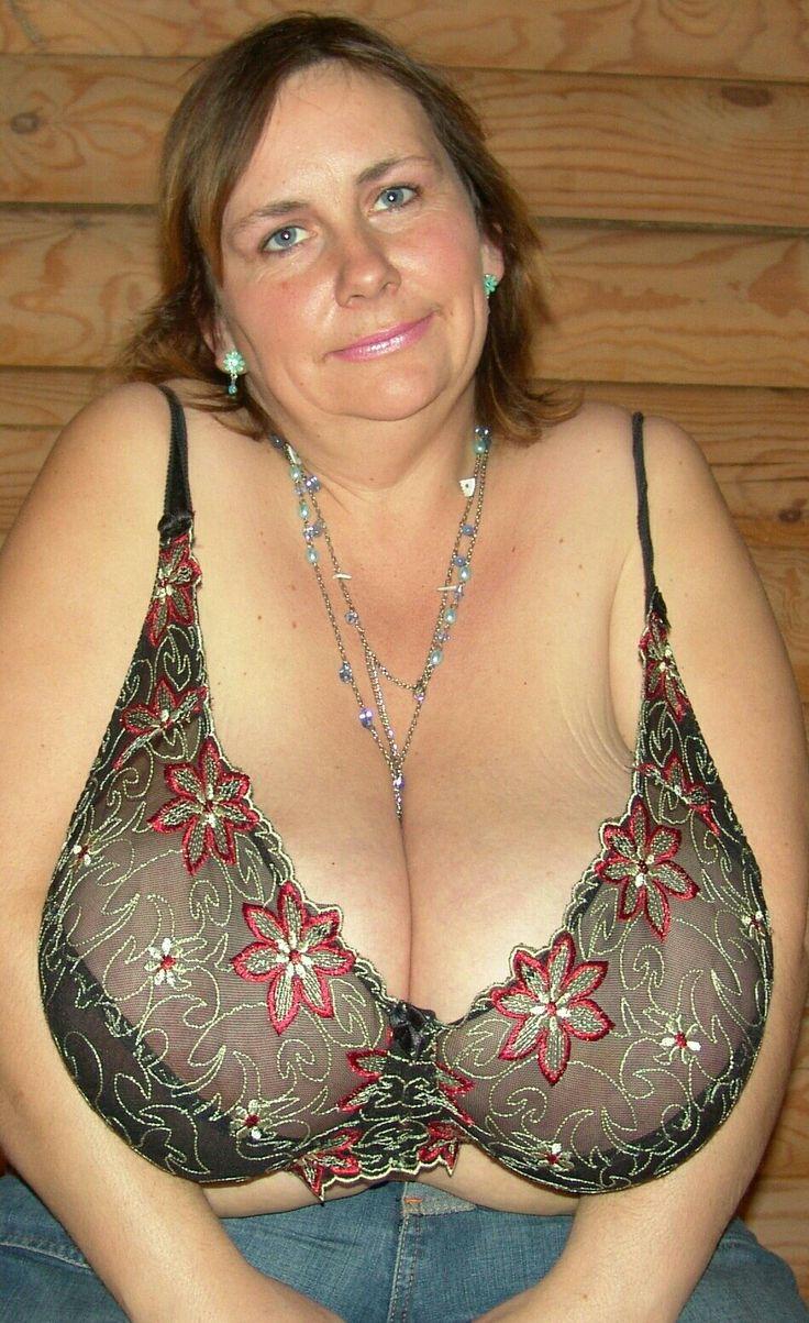 Голые Груди Зрелых Женщин