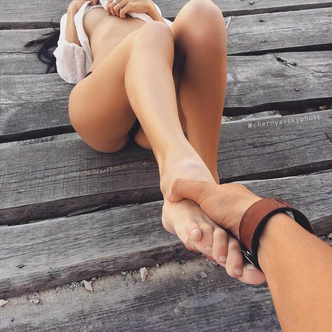 Голые Ноги Женщин Фото