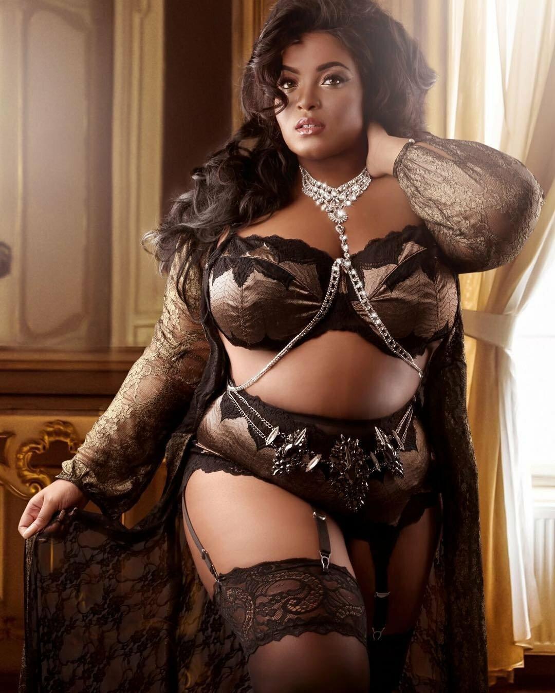 Голые Толстые Женщины В Годах