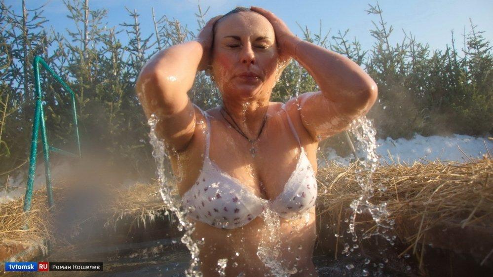 Голые Зрелые Женщины В Проруби