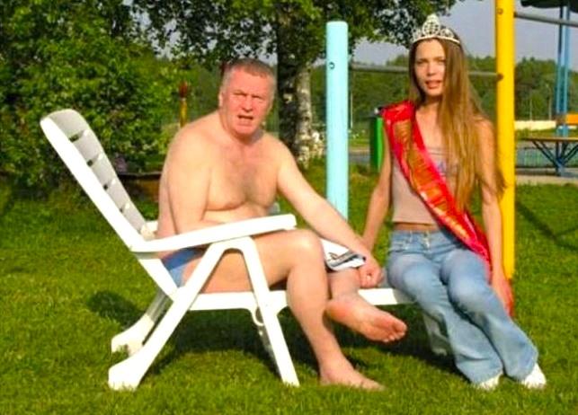 Голый Медведев