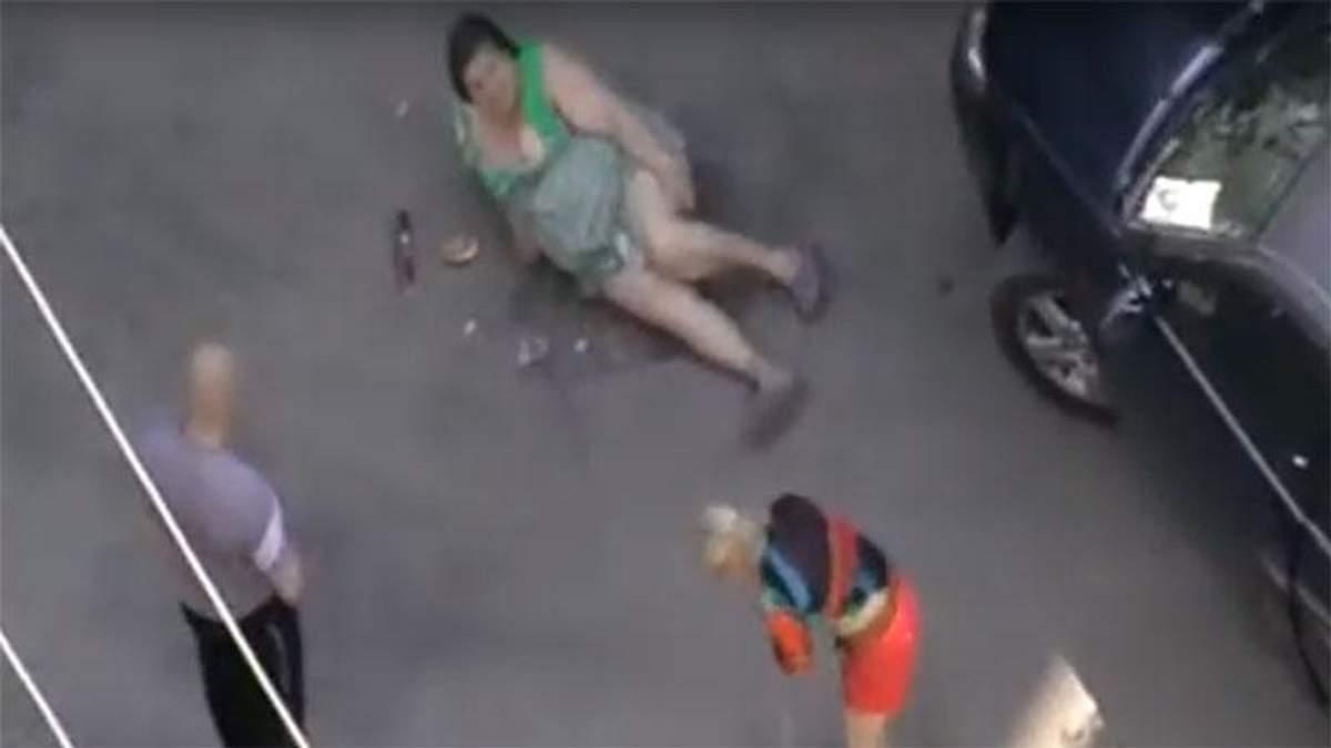 Голые Женщины В Пеньюаре Фото