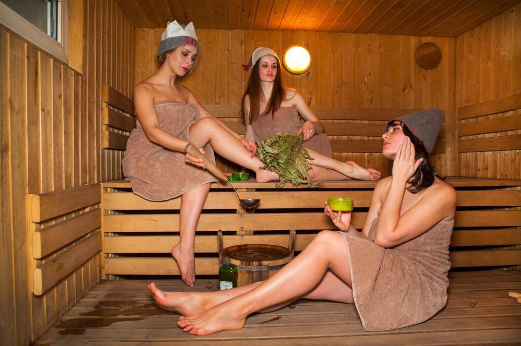 Смотреть Фото Голых Женщин В Бане