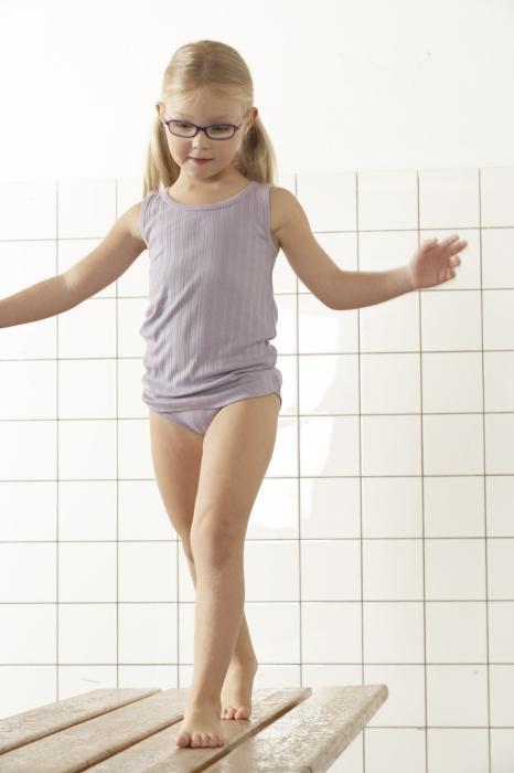Смотреть Видео Голая Маленькая Девочка